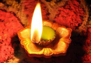 सरसों के तेल का दीपक जलाएं